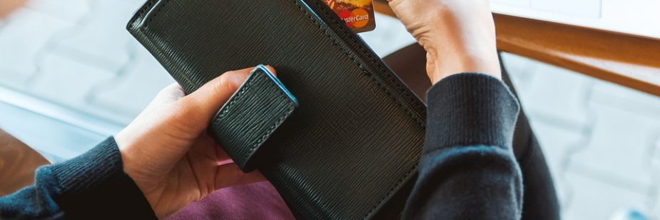 Quais são os principais gastos em viagens a negócios - e como economizar nestes pontos? - etrip